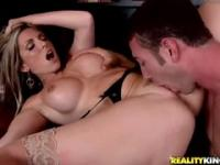 Pleasing towheaded MILF Courtney Cummz gives an amazing BJ