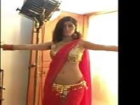 Bollywood babe dances
