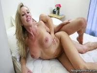 Teasing tattooed mom Brandi Love getting cock been blowed