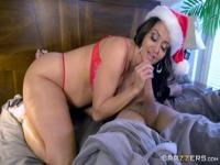 Adorable brunette mom Ava Addams