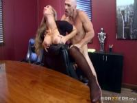 Fetching busty Nicole Aniston attending in amazing blowjob porn