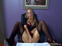 Honey platinum Nicole Aniston acting in amazing BJ scene