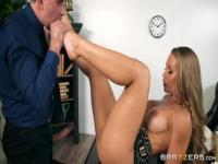 Foot fetish porn video featuring Keiran Lee and Nicole Aniston