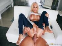 Snazzy busty latina Luna Star performing in amazing creampie porn video