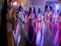 Kareena Kapoor dances again