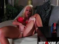 Brittney Amber fingers her hot pussy