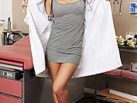 Hot doctor blows her patient