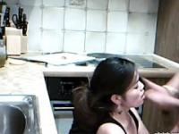 Sexy Girlfriend Fucked from behind hile Cutting Vegetables in the Kitchen