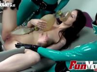 Latex-Krankenschwestern finger Sarah Dark