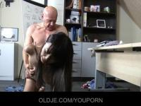 Older man is fucking a young asiatic girl