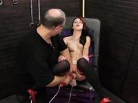 Bound chick force to orgasm