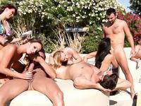Brazzers LIVE Pool Party - prochain spectacle est 30/04/13 4 pm EST 1 pm PST