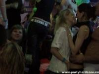 Real amateur girls haveing a big orgy in a bar