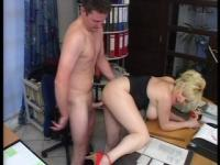Boss lady getting it hard on her desk (clip)