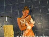 Glamour Zuzanna taking a milk shower