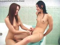 Margaux and Jeannie pussy shaving